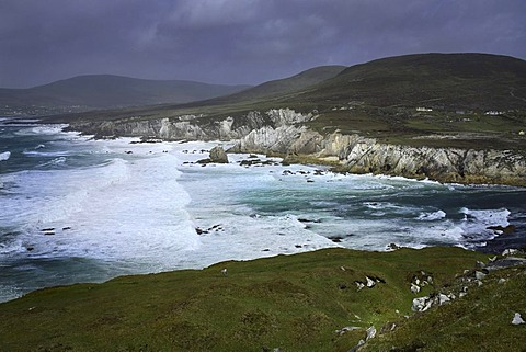 Wild Atlantic coastline, Knockmoore, Achill, County Mayo, Republic of Ireland, Europe