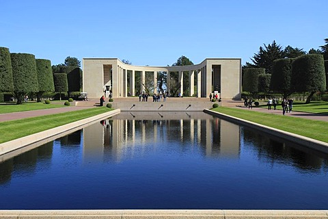 Normandy American Cemetery and Memorial above Omaha Beach, site of the landing of the Allied invasion forces on D-Day 6 June 1944, Second World War, Calvados, Region Basse-Normandie, Normandy, France, Europe