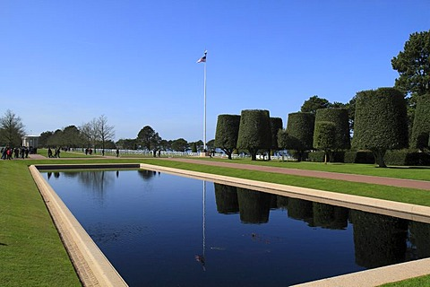 Water basin in front of the Normandy American Cemetery and Memorial above Omaha Beach, site of the landing of the Allied invasion forces on D-Day 6 June 1944, Second World War, Calvados, Region Basse-Normandie, Normandy, France, Europe
