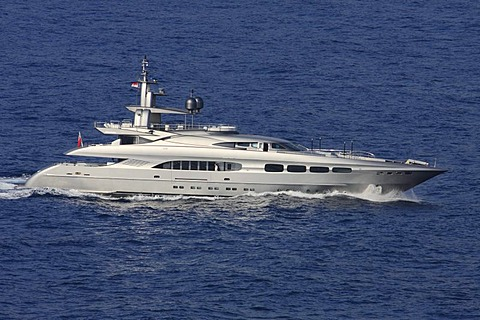 Streamline motor yacht - 832-151209