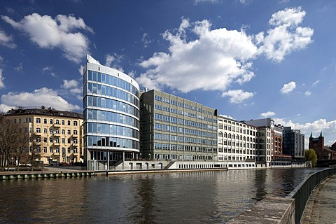 Office building on the banks of the Spree River, Charlottenburg, Berlin, Germany, Europe