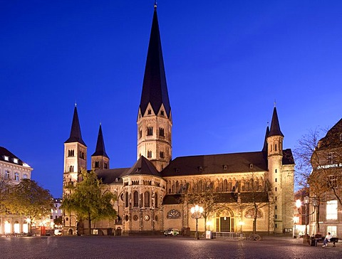 Bonn Minster, Bonn, Rhineland, North Rhine-Westphalia, Germany, Europe