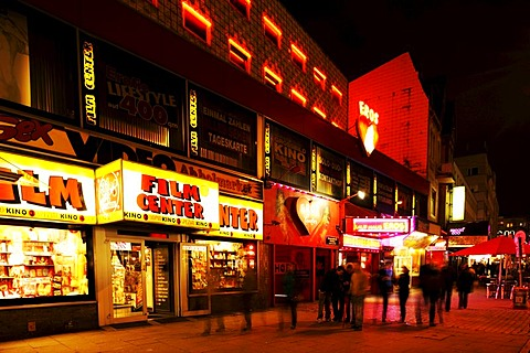 The Reeperbahn, main street of St. Pauli district, the entertainment and red light district in Hamburg, Hamburg, Germany, Europe