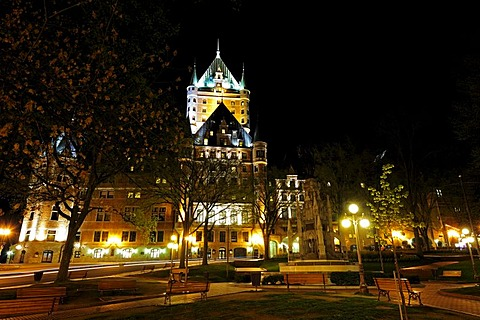 Chateau Frontenac castle, in the foreground the Place des Armes square, historic old town of Quebec City, Quebec, Canada