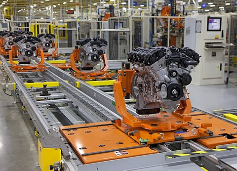 Engines move along the assembly line on automated transport platforms at Chrysler's Trenton South Engine Plant, which makes the new Pentastar V-6 engine, Trenton, Michigan, USA