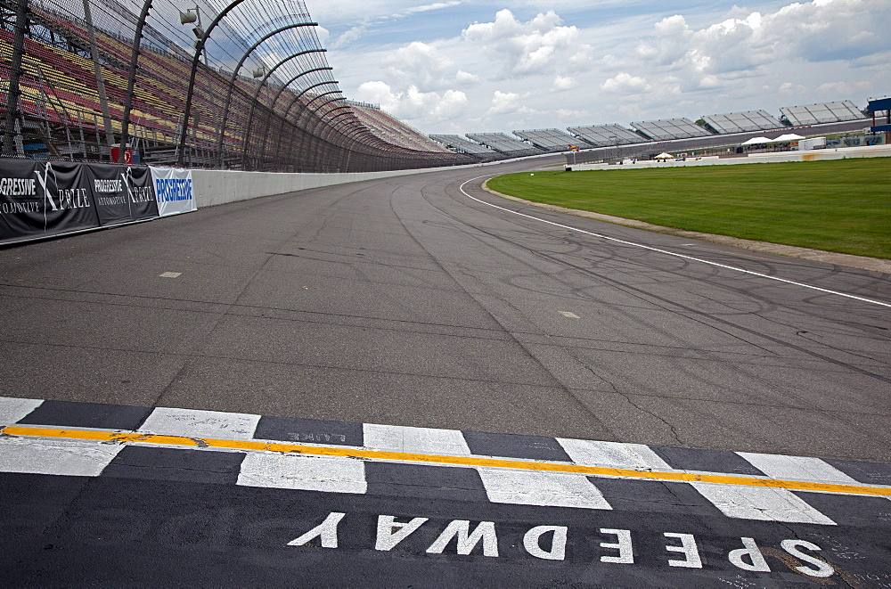 The start - finish line at Michigan International Speedway which features a two-mile race track and seats nearly 120, 000 fans for NASCAR races, Brooklyn, Michigan, USA, America