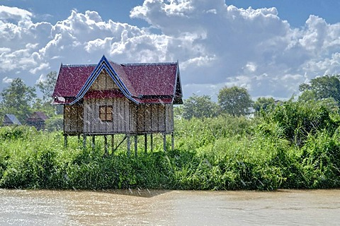 House at the Mekon in rain, 4000 Islands, Laos, Southeast Asia
