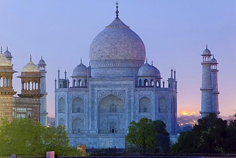 Night, Taj Mahal, Agra, Uttar Pradesh, India, Asia