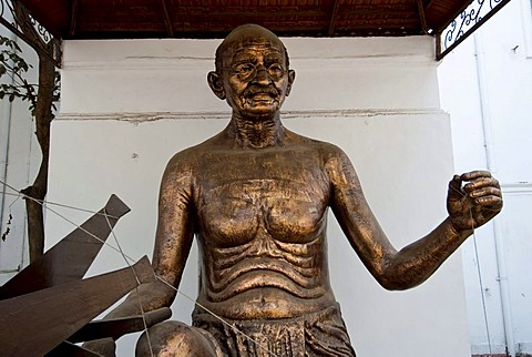 A statue of MK Gandhi at Gandhi Smriti, New Delhi, India, Asia