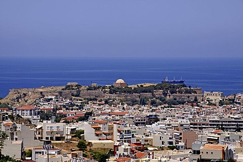 Panoramic view of Rethimno, Rethymno, Venetian Fortezza, fortress in the back, castle, Crete, Greece, Europe
