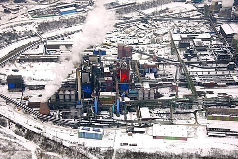 Aerial photo, blast furnaces, snow-covered industrial scenery, ThyssenKrupp Steel, Meiderich, Hamborn, Rhein, Duisburg, Ruhr Area, North Rhine-Westphalia, Germany, Europe