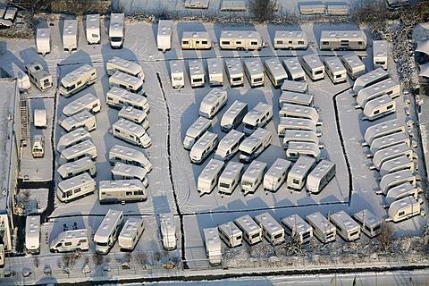 Aerial photo, campervans in the snow, Herringen, Hamm, Ruhr area, North Rhine-Westphalia, Germany, Europe