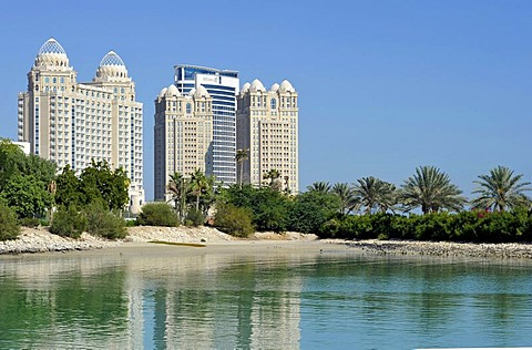 Falcon and Pearl Towers, Doha Hilton Hotel, Doha, Emirate of Qatar, Middle East, Asia