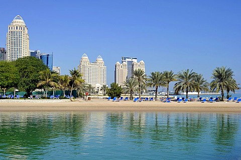 Four Seasons Hotel, Moevenpick Hotel, Falcon and Pearl Towers, Doha Hilton Hotel, Doha, Emirate of Qatar, Middle East, Asia
