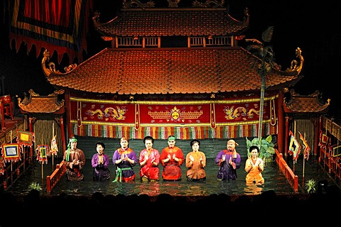 Puppeteers, Thang Long Water Puppet Theater, Hanoi, North Vietnam, Vietnam, Southeast Asia, Asia