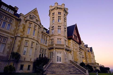 Universidad Internacional Menendez Pelayo university, La Magdalena Palace at dusk, Santander, Cantabria, Spain, Europe