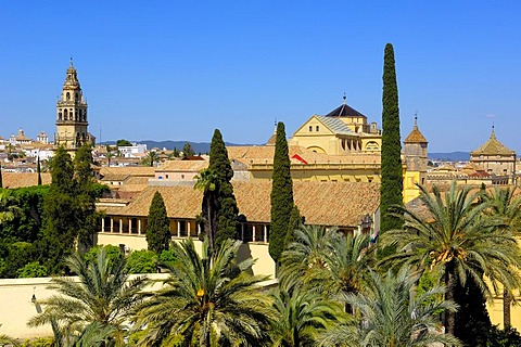 Alcazar de los Reyes Cristianos, Alcazar of Catholic Kings and minaret tower of the Great Mosque, Cordoba, Andalusia, Spain, Europe