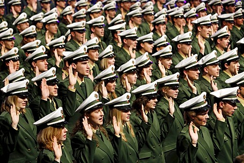 Swearing-in ceremony of 1100 policemen and policewomen to the NRW Police Force, Class of 2009, Duesseldorf, North Rhine-Westphalia, Germany, Europe