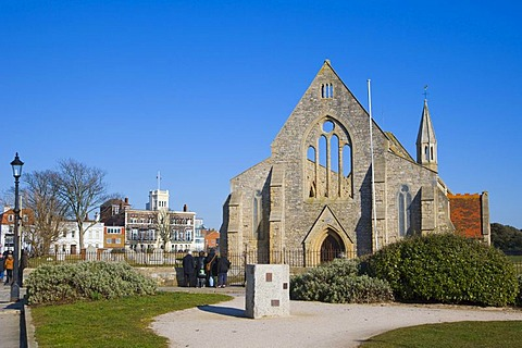 Royal Garrison Church, Domus Dei, Hospital of Saint Nicholas with Royal Naval Club and Royal Albert Yacht Club at back, Old Portsmouth, Hampshire, England, United Kingdom, Europe