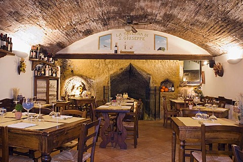 Laid tables in a restaurant, La Taverna di San Giuseppe, Siena, Tuscany, Italy, Europe