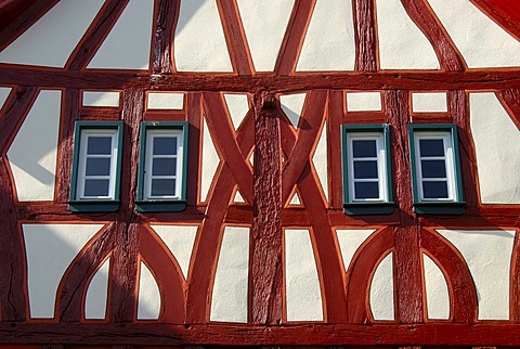 Detail, old renovated half-timbered house, red beams, narrow windows, Muehlheim am Main, Hesse, Germany, Europe