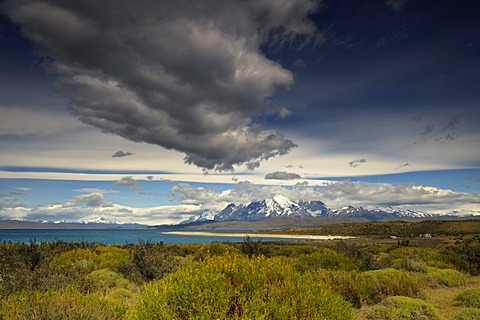 Torres del Paine Massif, dramatic sky, Patagonia, Chile, South America - 832-170441