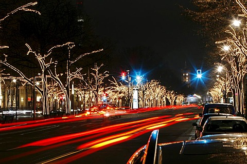 Traffic and Christmas decorations, Unter den Linden, Berlin, Germany