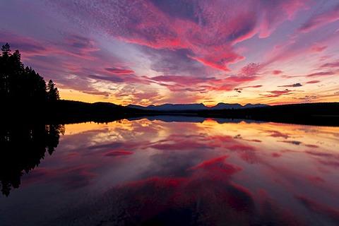 Evening mood at a lake, Jaemtland, Sweden, Scandinavia, Europe