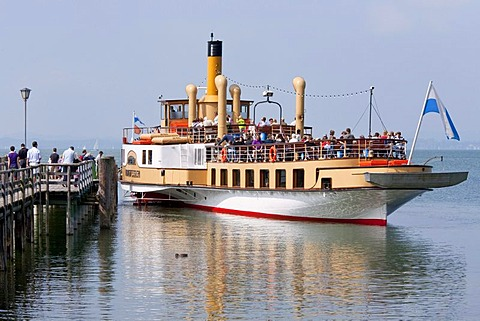 Paddle steamer Ludwig Fessler in Chieming, built in 1926, ship, Chiemsee lake, Chiemgau, Bavaria, Germany, Europe