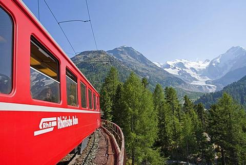 Rhaetische Bahn, Rhaetian Railway on the Bernina Pass, Morteratsch Glacier, Engadin, Grisons, Switzerland, Europe