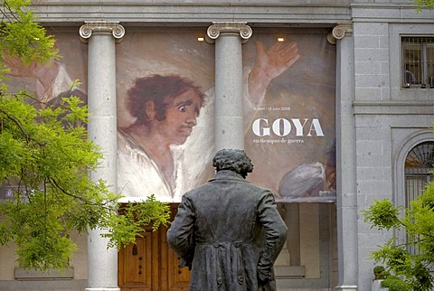 Francisco Goya sculpture in front of the Prado Museum, with painting The Shooting of the Rebels from 3 May 1808, Madrid, Spain, Europe