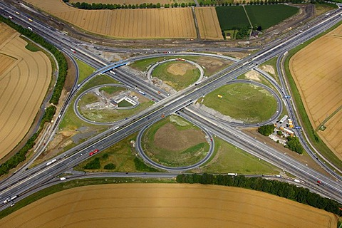 Aerial view, tangent, Kamener Kreuz junction rebuilding, A1 and A2 motorways, Feldern, Kamen, Ruhrgebiet region, North Rhine-Westphalia, Germany, Europe