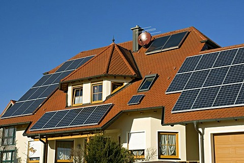 New house with solar panels, Franconia, Bavaria, Germany, Europe