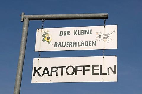 Sign for a small farm shop, Kamen, Ruhrgebiet region, North Rhine-Westphalia, Germany, Europe