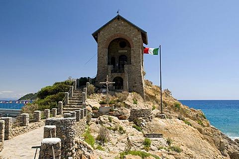 Capo Santa Croce Chapel, Italian flag, Alassio, Italian Riviera, Liguria, Italy, Europe