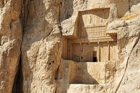 Royal tomb of King Artaxerxes I. at the Achaemenid burial site Naqsh-e Rostam, Rustam, near the archeological site of Persepolis, UNESCO World Heritage Site, Persia, Iran, Asia