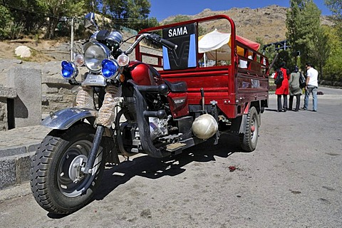Iranian threewheeled motorcycle, Hamadan, Hamedan, Iran, Persia, Asia