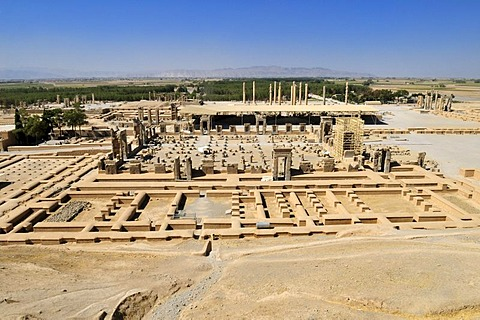 View over the Achaemenid archeological site of Persepolis, UNESCO World Heritage Site, Persia, Iran, Asia
