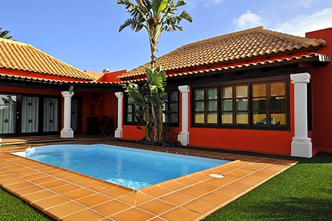 Holiday resort bungalow villa with pool, Corralejo, Fuerteventura, Canary Islands, Spain, Europe