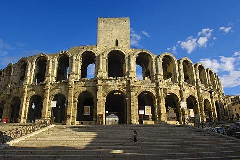 Roman ampitheatre, Les Arenes, Arles, Bouches du Rhone, Provence, France, Europe