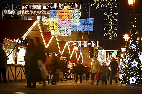 Christmas Market and 60th Essen Light Weeks, logo of the European Capital of Culture for 2010, and other lights motifs, Willy-Brand-Platz and Kettwigerstrasse, Essen, North Rhine-Westphalia, Germany, Europe