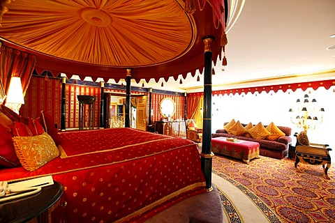 Presidential suite, deluxe suite of the Burj Al Arab luxury hotel, Dubai, United Arab Emirates, Middle East - 832-186738