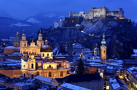 Old town with the Kollegienkirche church, the cathedral and Festung Hohensalzburg fortress, in the evening, winter, Salzburg, Austria, Europe