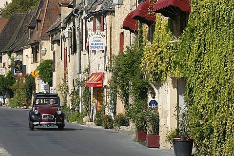 La Roque-Gageac, street, Dordogne valley, Aquitaine, France, Europe