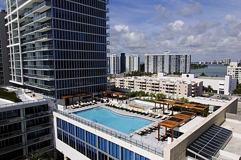 Pool, Canyon Ranch Hotel, Miami, Florida, USA