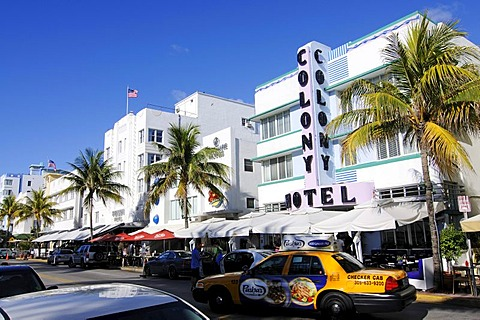 Colony Hotel, Ocean Drive, Miami South Beach, Art Deco district, Florida, USA