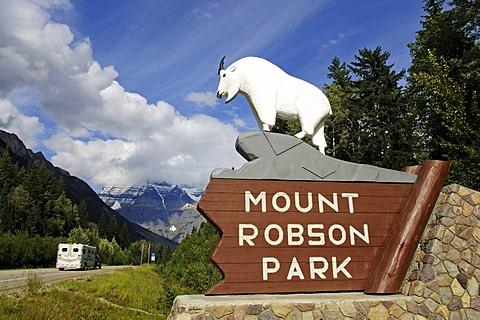 Mount Robson, Mount Robson Park, Alberta, Canada