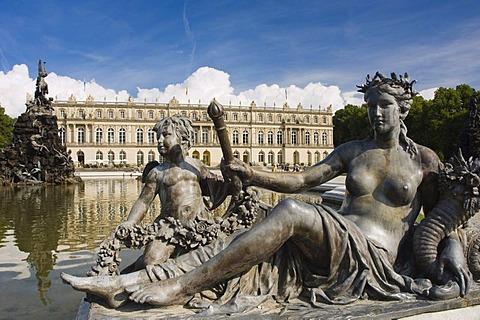 Herrenchiemsee Palace, statues beside a pond, Herreninsel, Gentleman's Island, Lake Chiemsee, Chiemgau, Upper Bavaria, Germany, Europe
