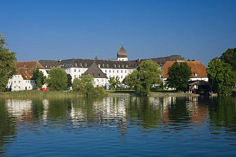 Monastery on Fraueninsel island, Chiemsee lake, Chiemgau, Upper Bavaria, Bavaria, Germany, Europe