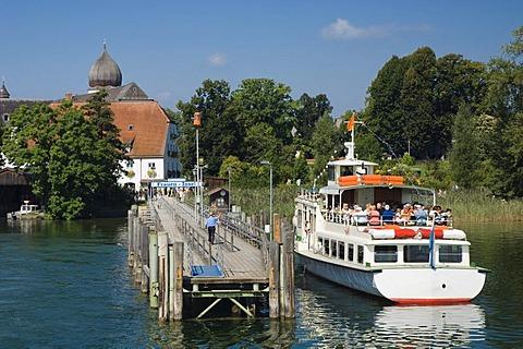 Excursion boat landing at Fraueninsel island, Chiemsee lake, Chiemgau, Upper Bavaria, Bavaria, Germany, Europe